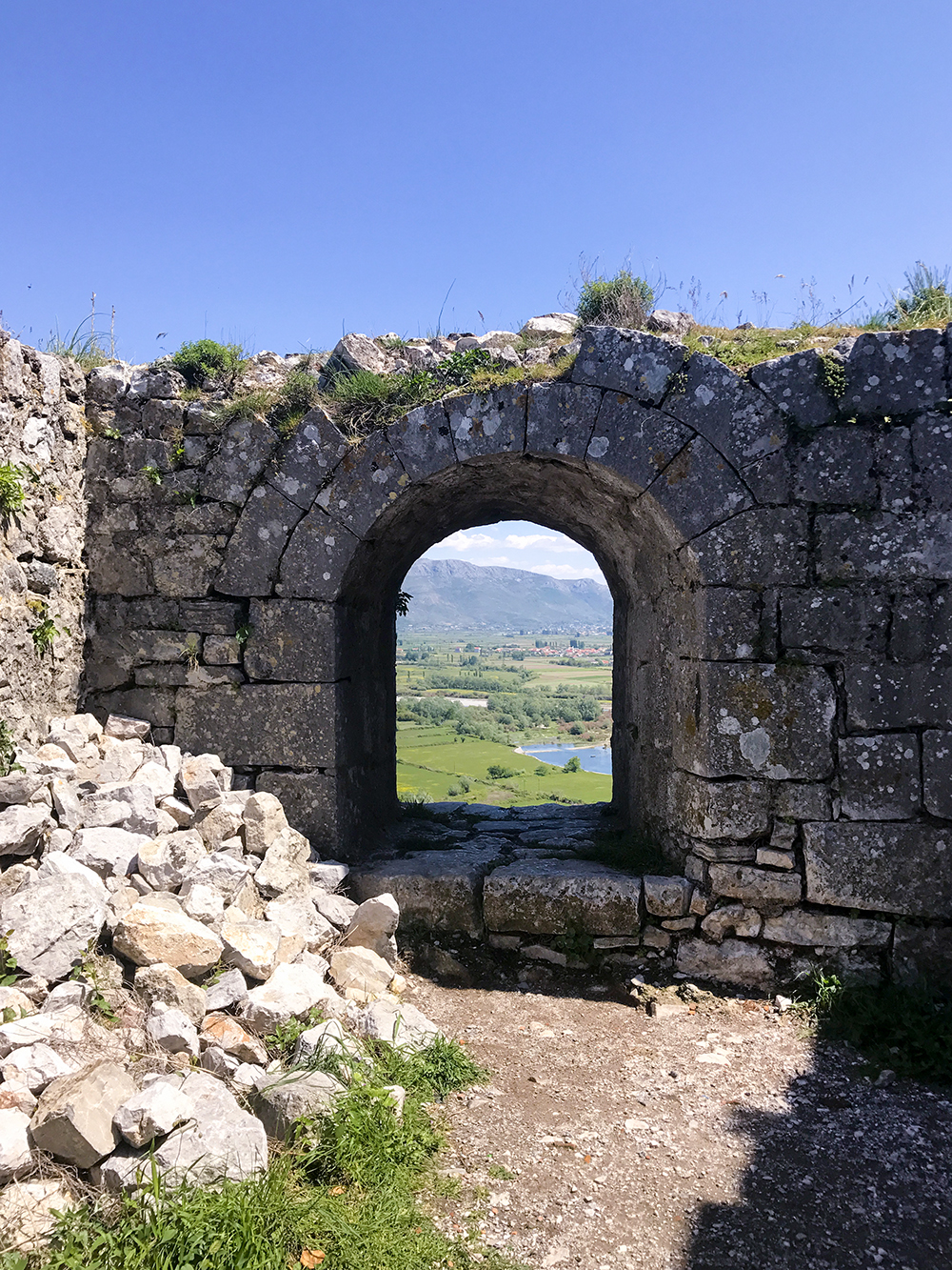Visiting Rozafa Castle Ruin in Albania
